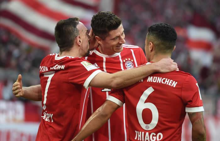 El Bayern Múnich se da un festín ante el Hamburgo con triplete de Lewandowski