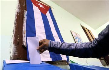 Cubanos van a las urnas y se despiden de Castro
