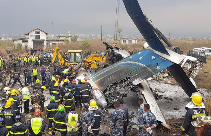 Al menos 50 muertos deja accidente de un avión que se estrelló en Nepal