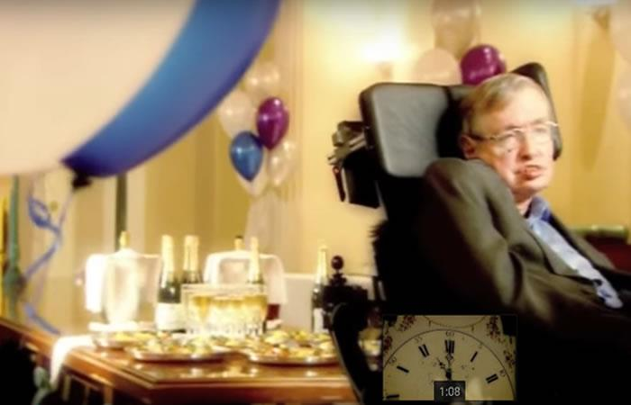 Stephen Hawking: El día que organizó una fiesta a la que nadie asistió