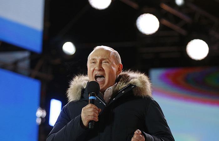 Vladimir Putin gana elecciones en Rusia de forma aplastante