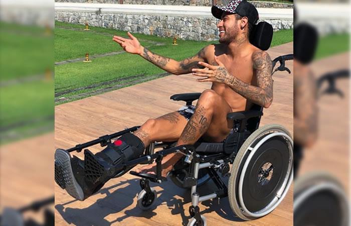 Neymar recién operado y sin muletas baila al ritmo de Nicky Jam y J Balvin