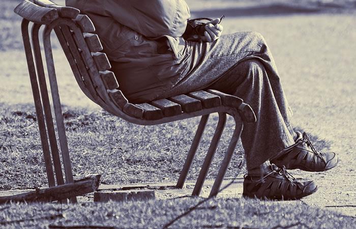 Hombre se cambia de género para poderse jubilar antes