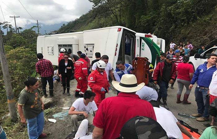 Un saldo de 2 muertos y 10 heridos deja accidente en la vía Yopal-Sogamoso