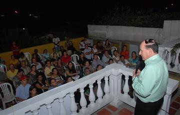 El senador Álvaro Ashton fue suspendido del Congreso