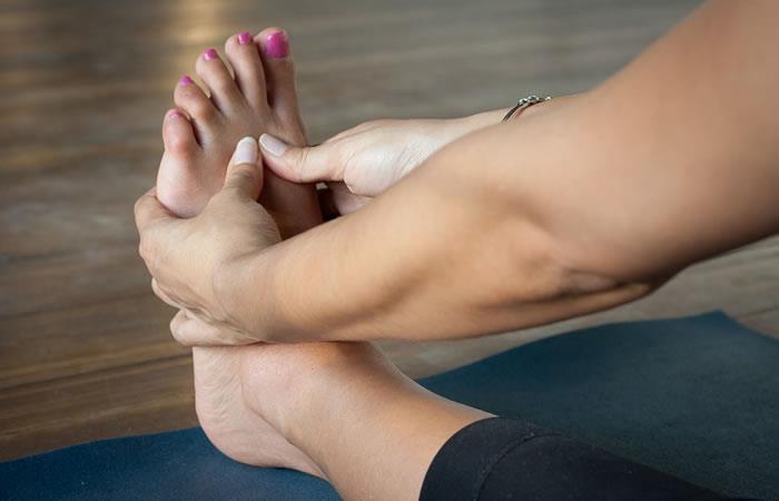 La canela es el mejor remedio natural para eliminar los malos olores de los pies