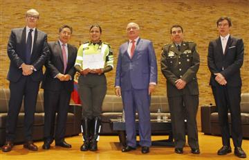 El Procurador condecorada a la patrullera victima de Hernando Zabaleta