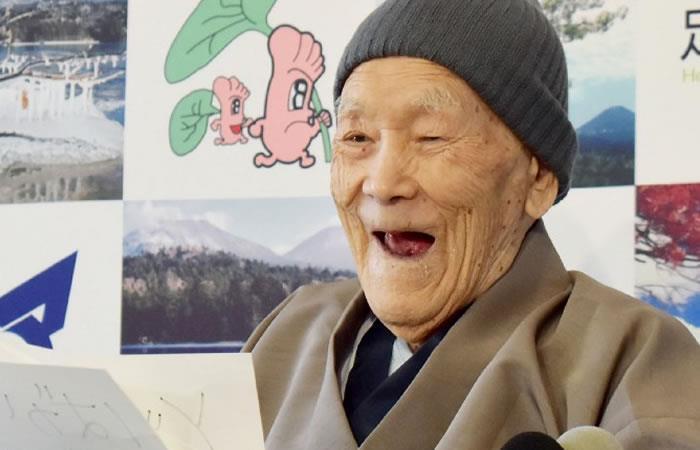 Un japonés de 112 años se convierte en el hombre más viejo del mundo