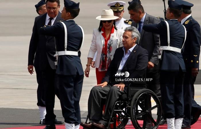 Moreno abandona la cumbre de Lima por