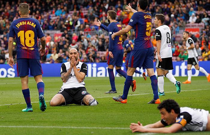 Barcelona no contó con Yerry Mina, venció al Valencia y pasó el trago amargo de Cahmpions