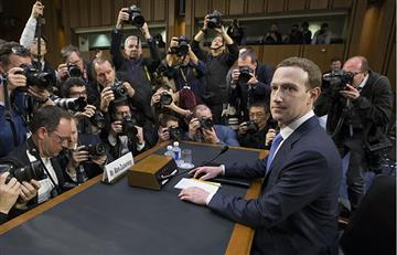 ¿Mark Zuckerberg es un robot?