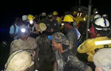 Caldas: Rescatan los 14 mineros atrapados en una mina de Marmato