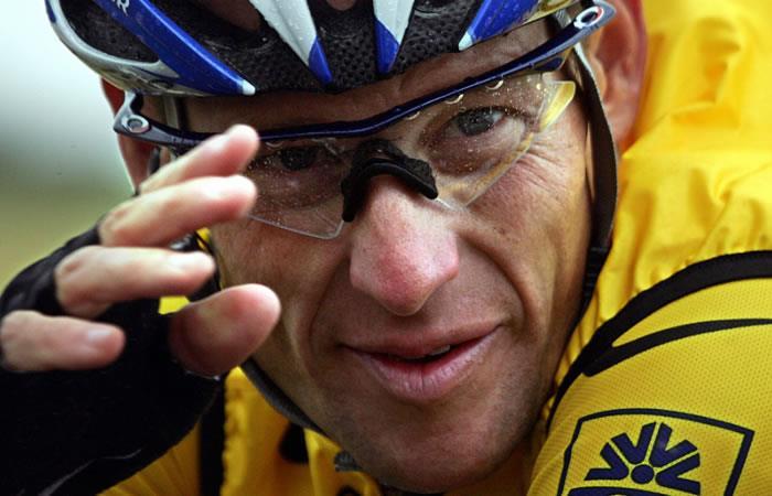 Lance Armstrong tendrá que pagar cinco millones de dólares por fraude