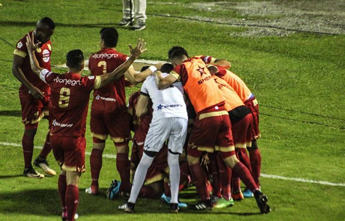 Hernán Torres le ganó el duelo al América y Deportivo Cali se impuso en casa