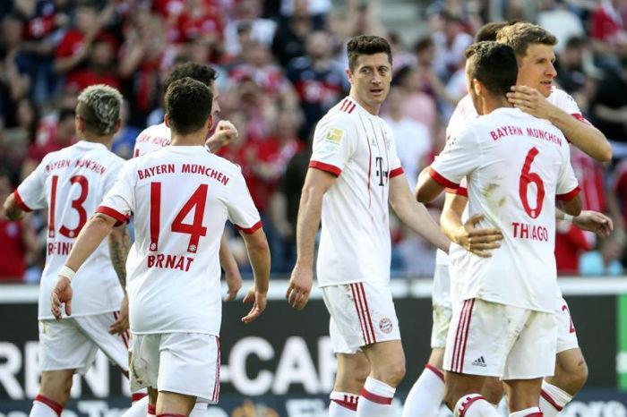 Bayern venció 3-0 al Hannover 96