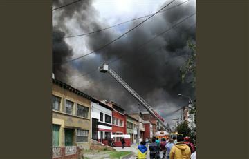 Bogotá: Voraz incendio consumió una bodega en Kennedy