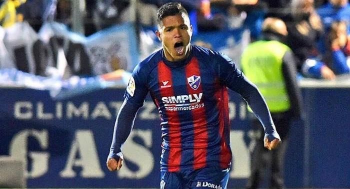 Juan Camilo 'el cucho' Hernández anotó doblete en la victoria del Huesca