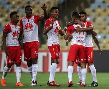 Santa Fe sumó un punto en el empate con Flamengo