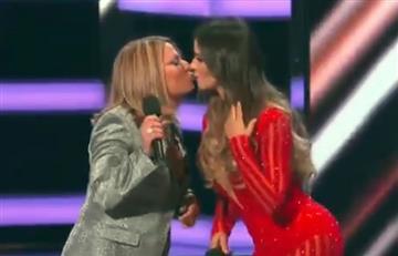Billboard: Así fue el beso entre Catherine Siachoque y Ana María Polo