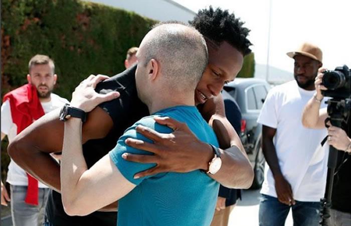 Yerry Mina y el emotivo mensaje con el que se despidió de Andrés Iniesta