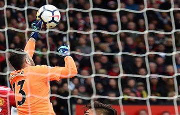 David Ospina y el Arsenal sufren una dura derrota ante el Manchester United