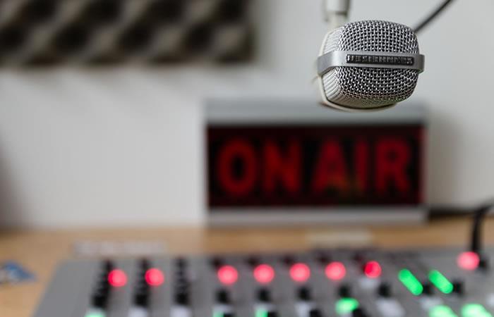 Video: Fenómeno paranormal se manifestó en estudio de radio