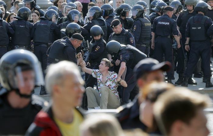 Cientos de detenidos en Rusia en una protesta contra Putin
