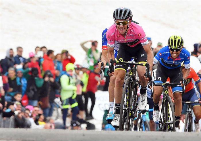 Esteban Chaves perdió más de 25 minutos en el Giro