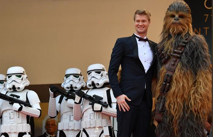 Star Wars: Los stormtroopers y Chewbacca llegan a Cannes con 'Solo'