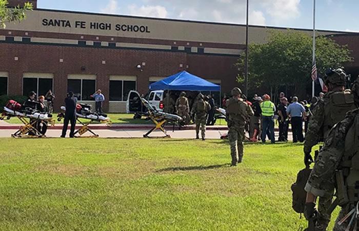 Al menos ocho fallecidos por tiroteo en escuela de Texas