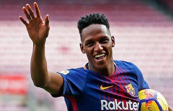 Yerry Mina será titular en el útimo juego de Iniesta con el Barcelona
