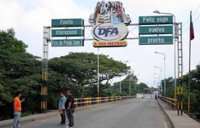 Gobierno de Colombia cierra frontera con Venezuela por cinco días