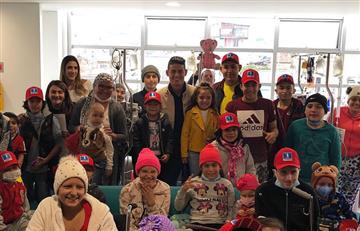 James Rodríguez y el humilde gesto que tuvo con los niños en un hospital de Bogotá