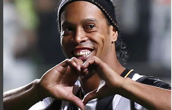 ¡Ronaldinho le dará el sí a  dos mujeres!