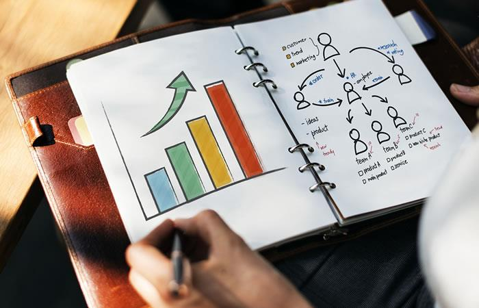 Consejos para desarrollar un negocio y contribuir a la educación