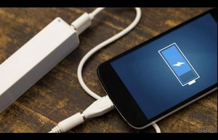 Tres malas costumbres que dañan la batería de tu celular