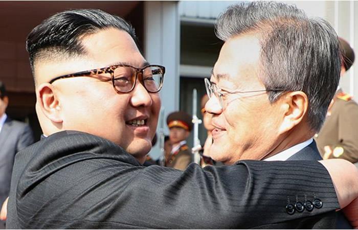 Presidentes de las dos Coreas se reúnen para hablar de la cumbre con Trump