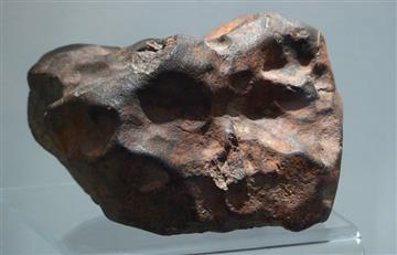 Antiguo meteorito hallado en el desierto del Sahara revela secretos de Marte