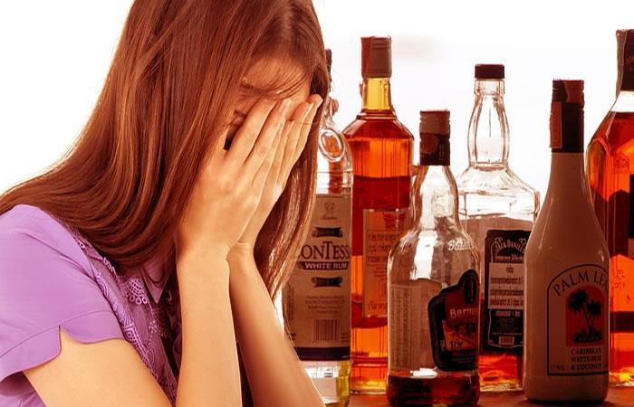 ¿Es cierto que el alcohol destruye las neuronas?