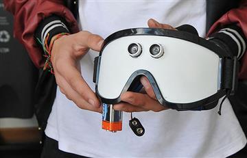 Crean gafas con sensores de movimiento para guiar a los invidentes