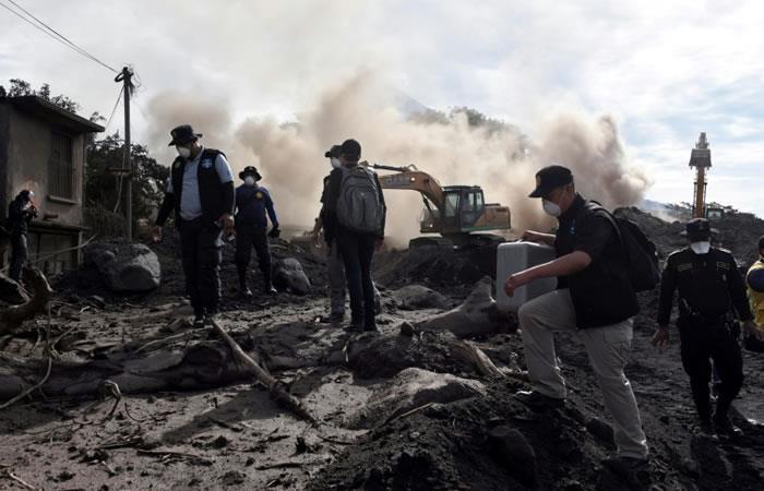 Guatemala: La cifra de muertos por erupción del volcán sube a casi 100