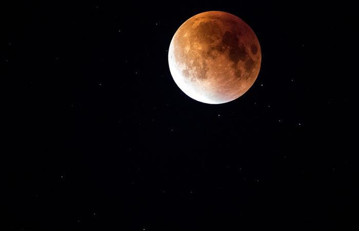 Descubren la misteriosa razón por la que la Luna se estaba calentando