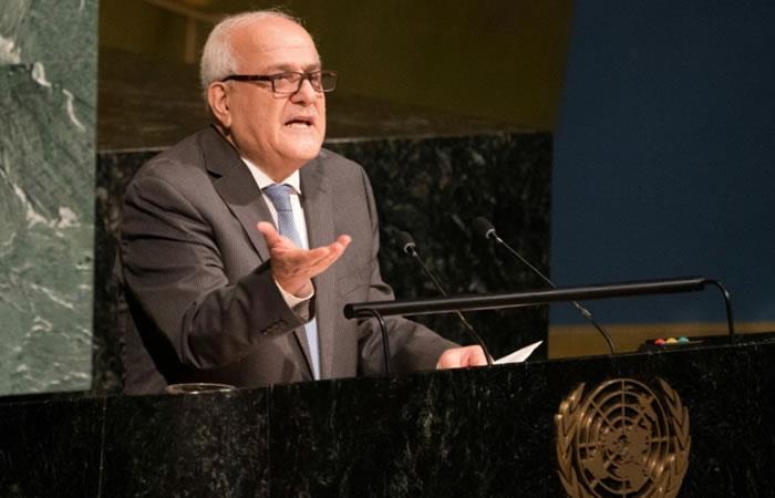 El embajador palestino en la ONU, Riyad Mansur, se expresa ante la Asamblea General del Organismo. Foto: AFP