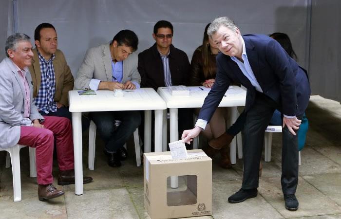 Juan Manuel Santos le madrugó a la cita con la democracia. Foto: EFE