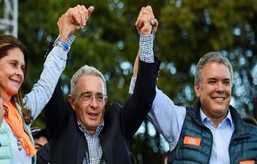 Álvaro Uribe felicita a su pupilo Iván Duque
