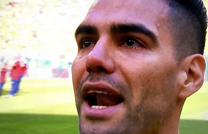 Falcao casi llora cantando el himno y conmueve al país