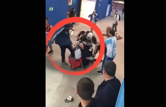 Argentinos golpean fuertemente a hinchas croatas tras la derrota de Argentina
