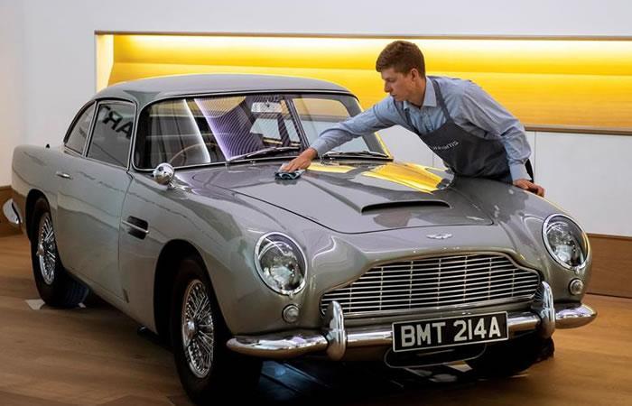 Subastan el Aston Martin que James Bond conducía en 'GoldenEye'