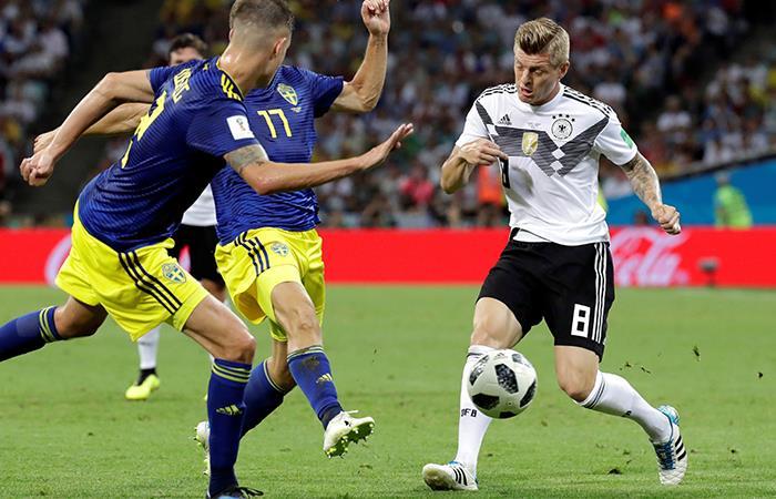 Alemania sufrió más de la cuenta pero ganó a Suecia en el último minuto