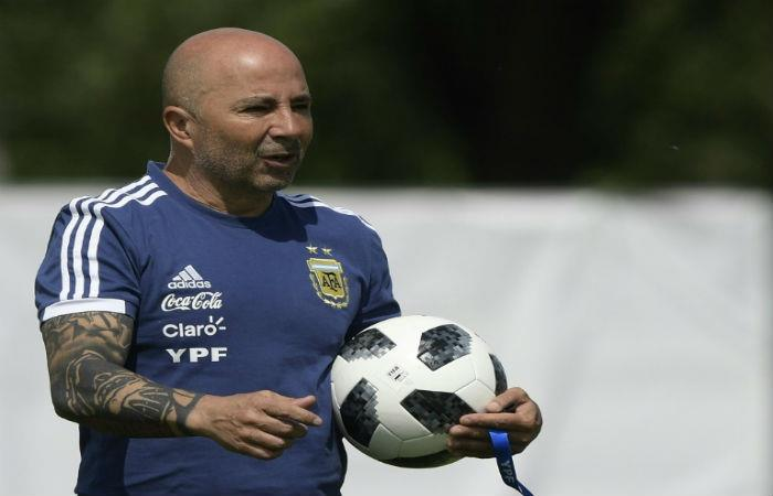 Sampaoli le buscará remplazo a Caballero. Foto: AFP
